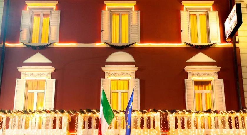 Best time to travel Italy Hotel Puccini