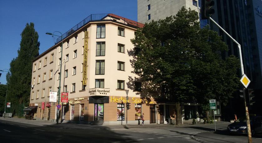 فندق بريستول البوتيكي Boutique Bristol Hotel سراييفو حجز