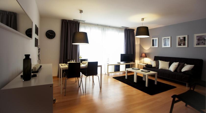 Apartaments Casanova Bcn - Barcelona