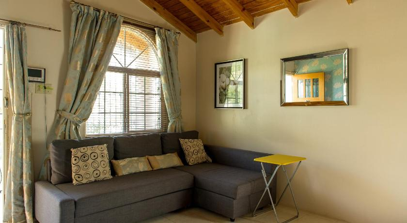 Rose Hall Comfy Homestay