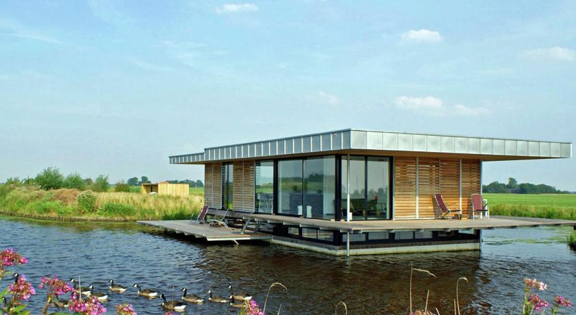 Holiday home Watervilla De Roerdomp