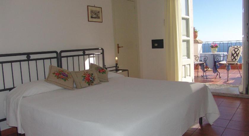 Hotel Bel Soggiorno in Taormina - Room Deals, Photos & Reviews