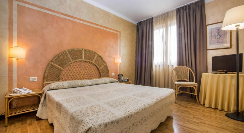 Best time to travel Italy Hotel Le Pageot