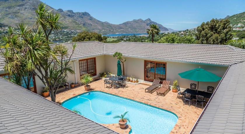 Book Hout Bay Lodge In Cape Town