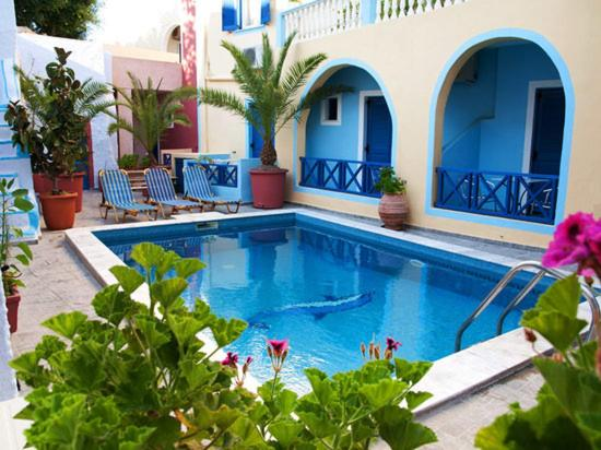 Best time to travel Fira Leta-Santorini