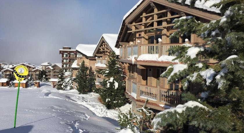 Best time to travel France Hotel Le K2 Altitude