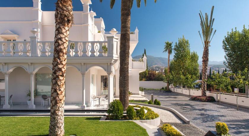 Best time to travel Granada Quinta Real Granada