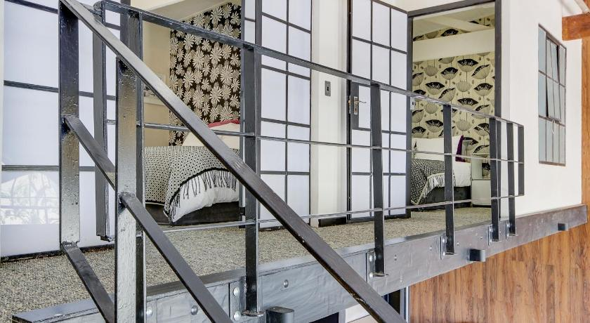 New York Loft Style Apartment 6 In Cape Town Room Deals