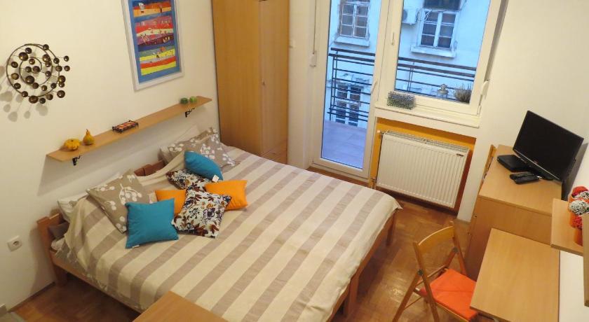 Studio 8 Vuka Karadžića 8 Novi Sad