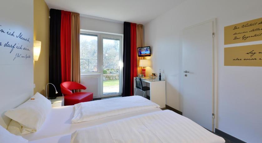 Hotel Fliegendes Klassenzimmer, Bad Berleburg ab 67 ...