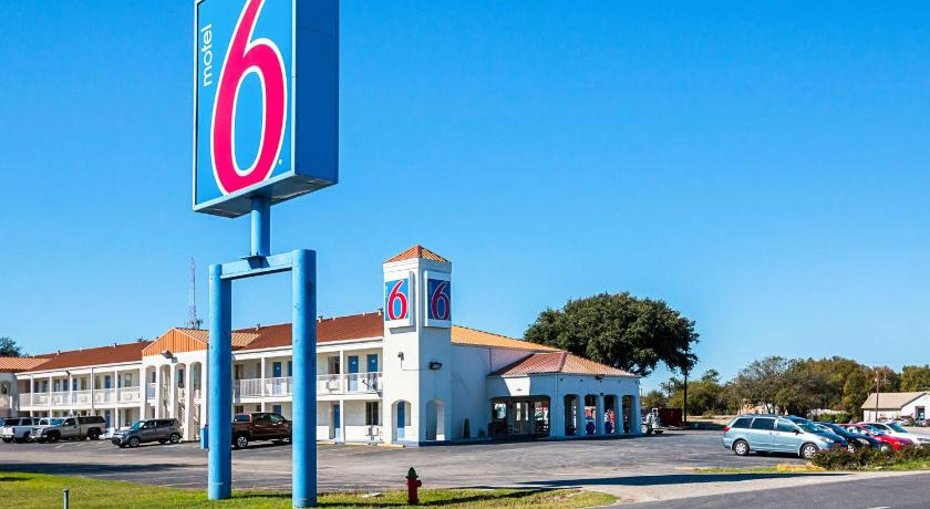 Best time to travel United States Motel 6 Round Rock/Austin