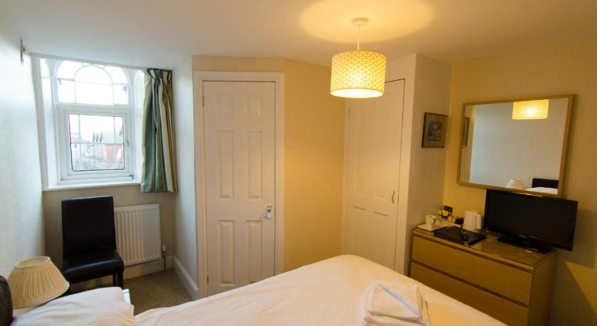 Single Room with Park View Arundel House