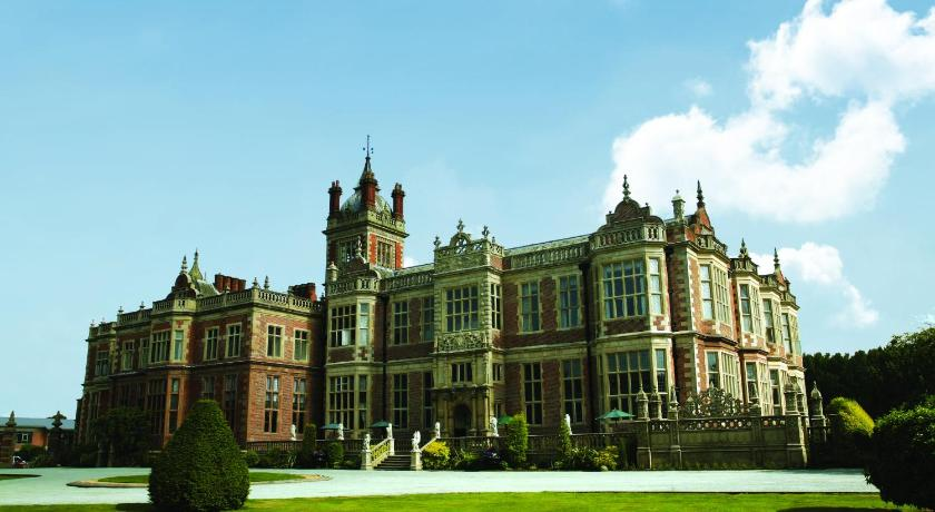 Best time to travel United Kingdom Crewe Hall - QHotels