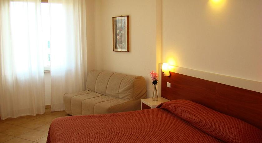 Best Price on B&B Soggiorno Ponte Rosso in Florence + Reviews!