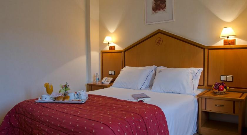 Best time to travel Portugal VIP Inn Berna Hotel