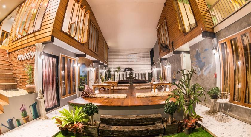 Best time to travel Sukhothai Aen Guy Boutique Hotel