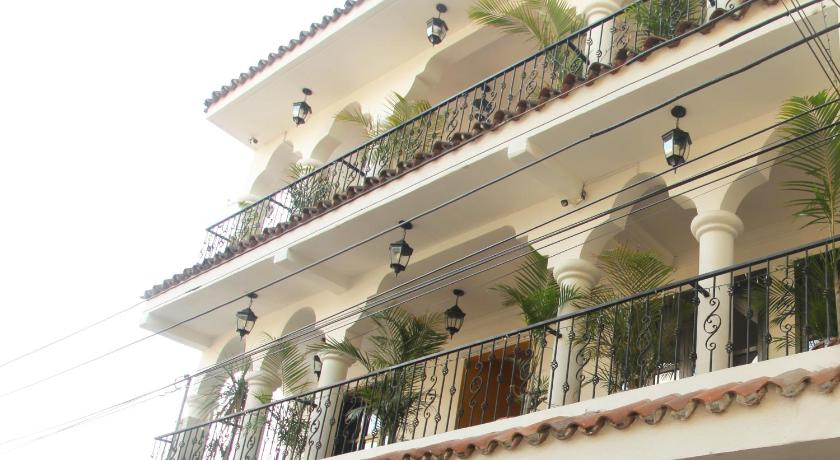 More about Casa Colonial