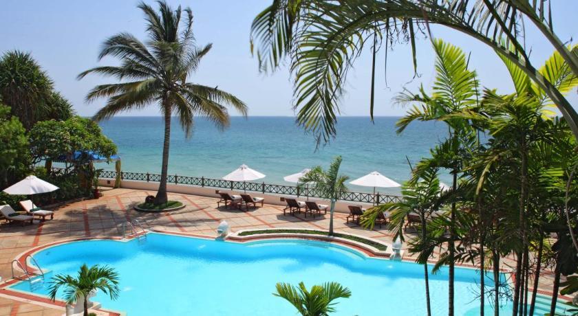 Best time to travel Tanzania Zanzibar Serena Hotel