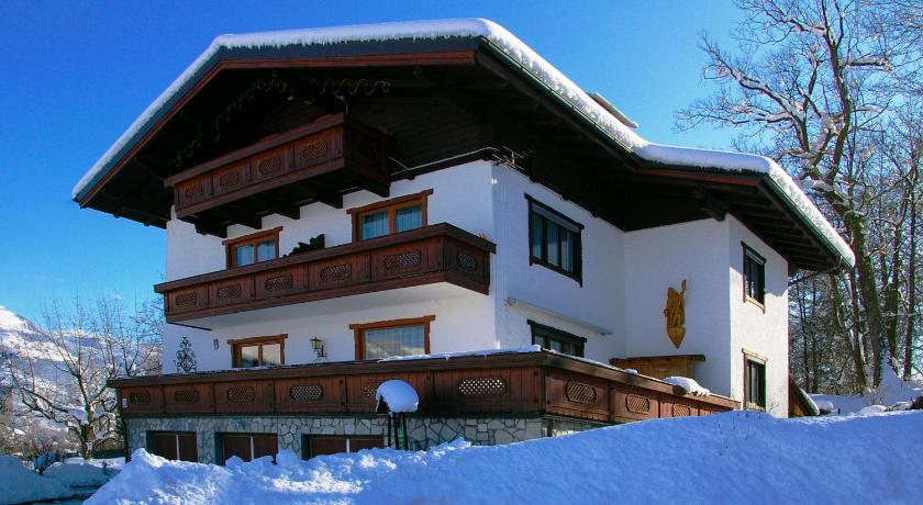 Best time to travel Austria Haus Strutzenberger