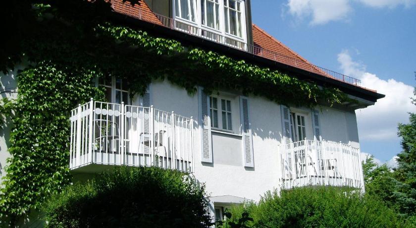 Villa Am Schlosspark Munchen Ab 93 Agoda Com