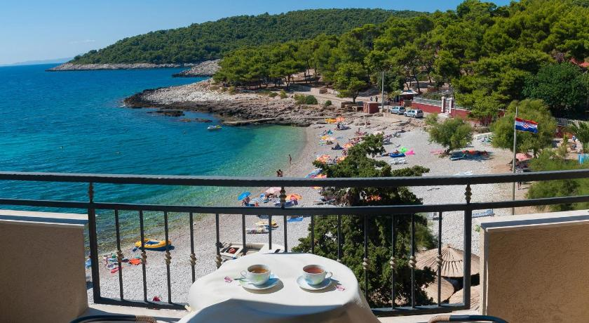 Best time to travel Solin Hotel Fortuna