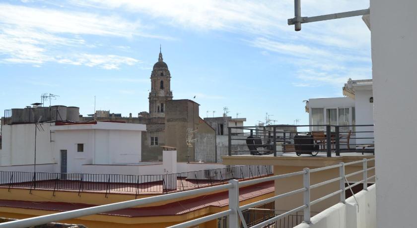 Atico Con Terraza Y Vistas Málaga Ofertas De último Minuto
