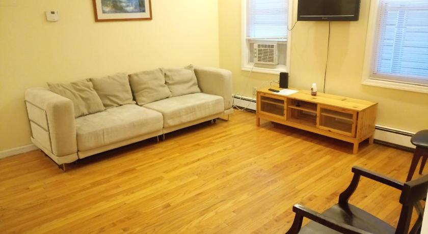 Best time to travel Manhattan Wood Floors, Jacuzzi, NYC Views