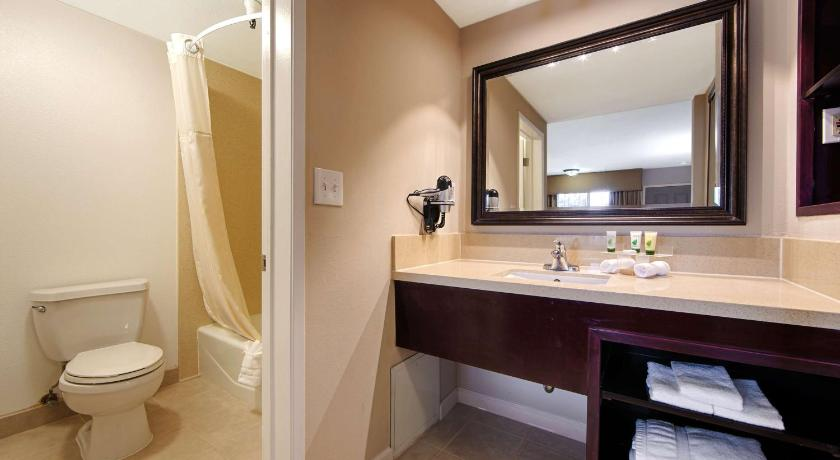 Best Western Pasadena Royale Inn and Suites