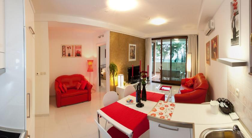 More about Residence Apartments Anamaria