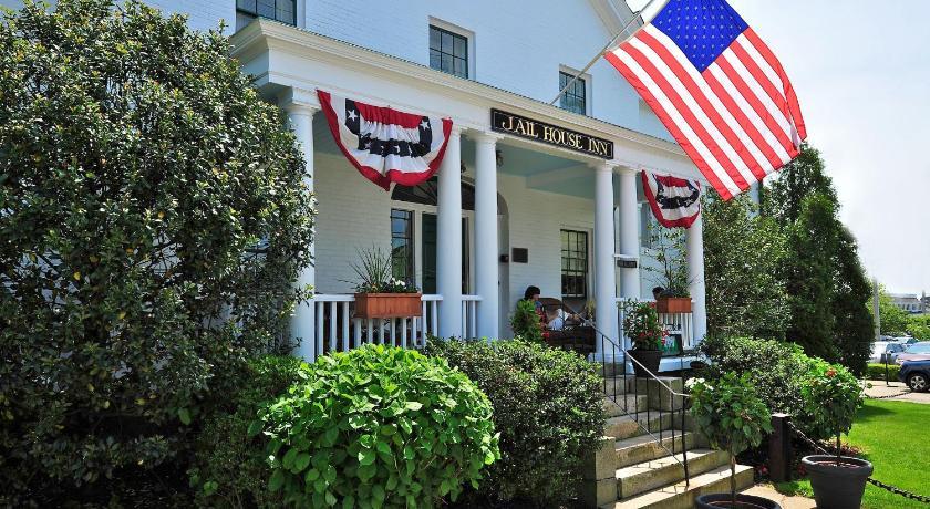 Best time to travel United States Jailhouse Inn