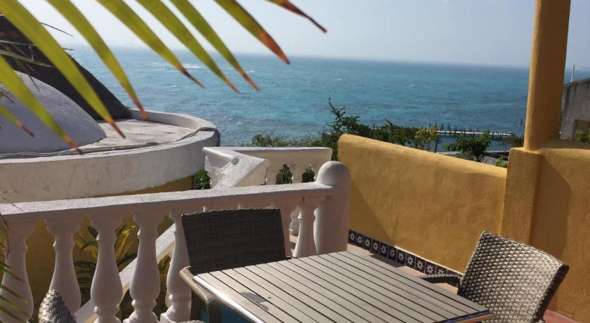 Best time to travel Mexico Hotel La Joya Isla Mujeres