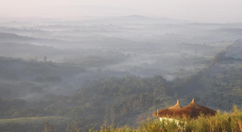 Best time to travel Uganda Isunga Lodge