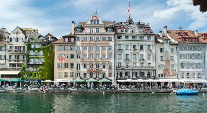 """Best time to travel Lucerne Hotel Pickwick and Pub """"the room with a view"""""""