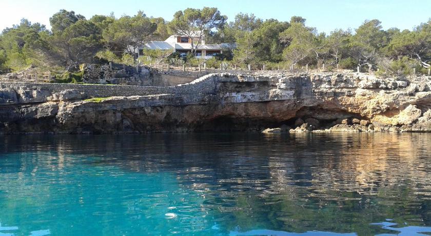 Best time to travel Spain Vora Mar
