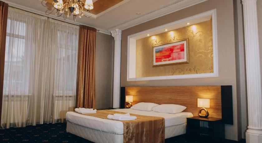Best time to travel Russia Hotel Deluxe