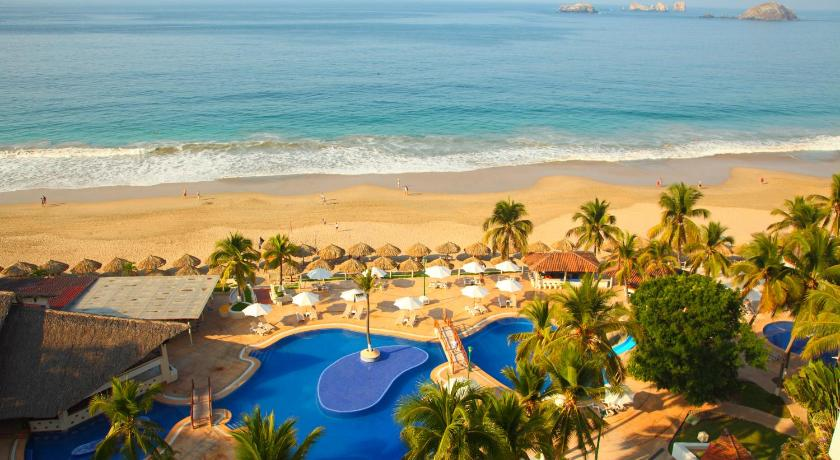 Best time to travel Mexico Krystal Ixtapa