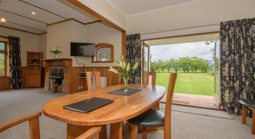 Best time to travel New Zealand Willowbrook Country Apartments