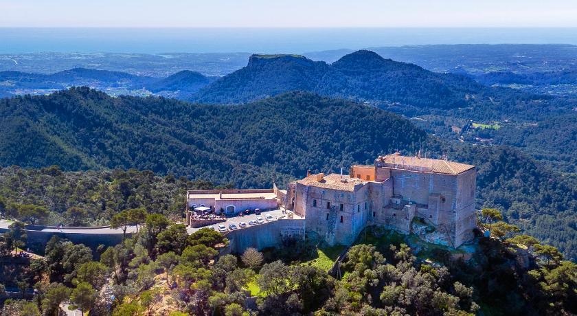 Best time to travel Cap de Formentor Petit Hotel Hostatgeria Sant Salvador