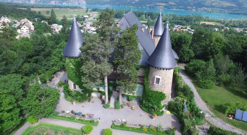 Best time to travel France Chateau De Picomtal