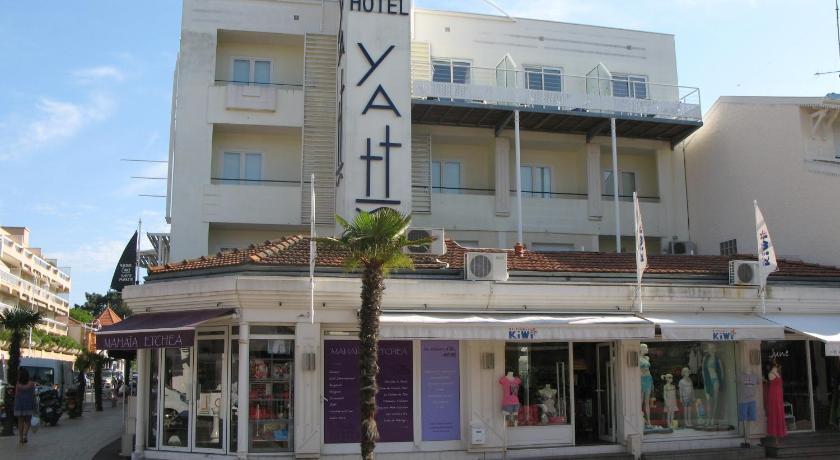 Best time to travel France Yatt Hotel
