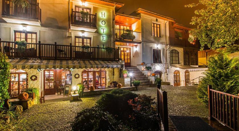 Hotel Dwa Ksiezyce Kazimierz Dolny Rezerwuj Pokoje W