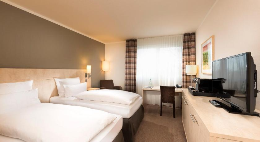 Best time to travel Bielefeld Mercure Hotel Bielefeld Johannisberg