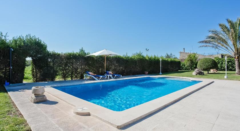 Best time to travel Spain Villa Mafedo