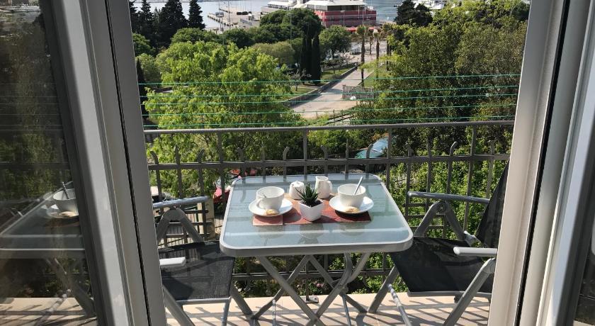 Best time to travel Croatia Luxury Apartment Valentina