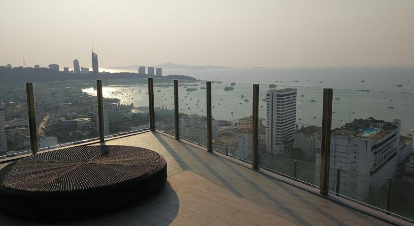 Vedi tutte le 30 foto The Base condo central Pattaya