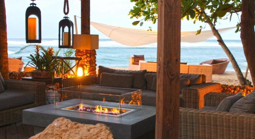 Best time to travel Puerto Rico Villa Montaña Beach Resort