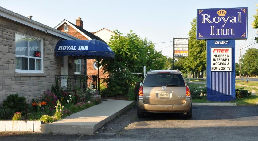 Best time to travel Canada Royal Inn