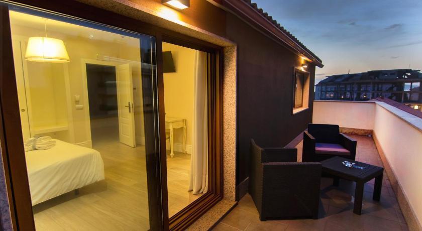 Best time to travel Santiago de Compostela Natura Petit Hotel
