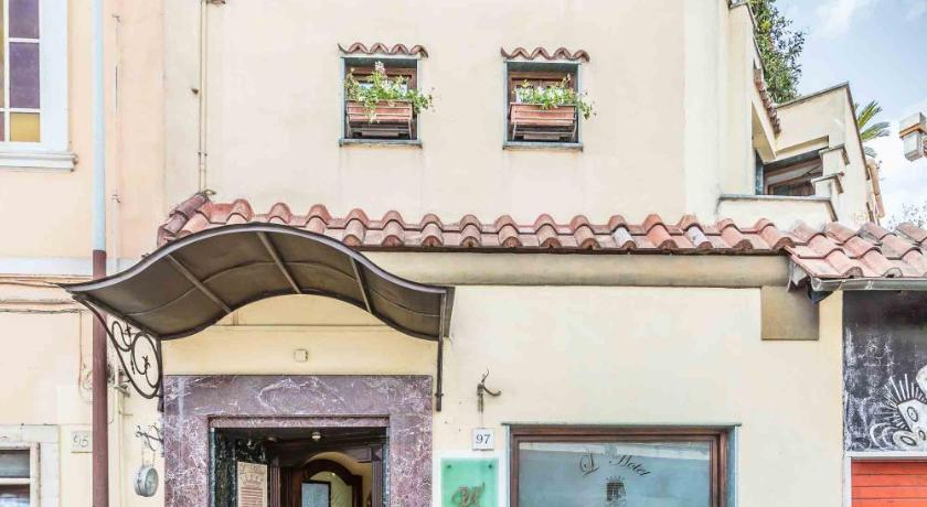 Best time to travel Italy Hotel Vibel