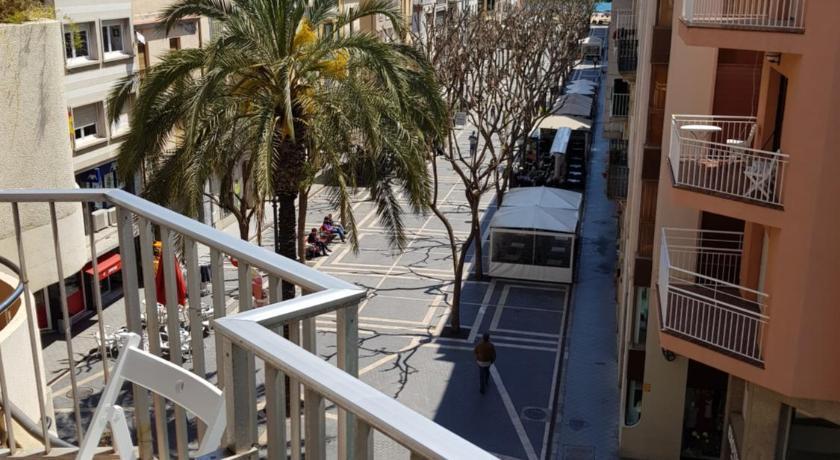 Best time to travel Costa Brava Apartament a la Placeta de Sant Joan 19, 3r
